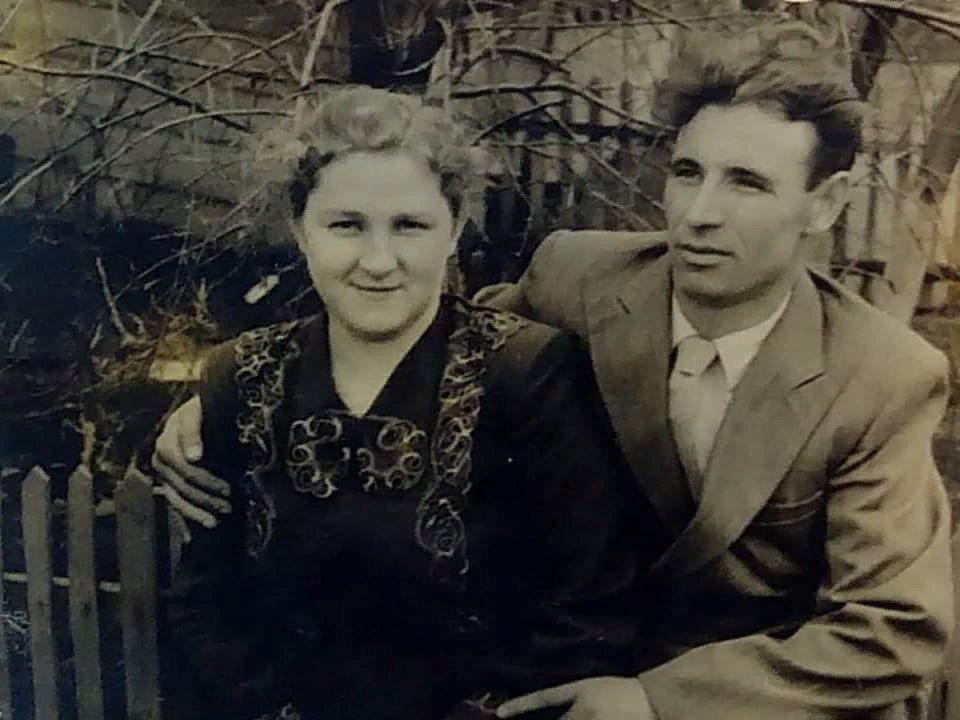 Мої дорогі батьки: Надія-Анастасія Миколаївна та Валентин Григорович Гудкови